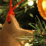 Trim a Natural…and Fragrant…Christmas Tree with these easy DIY ornaments
